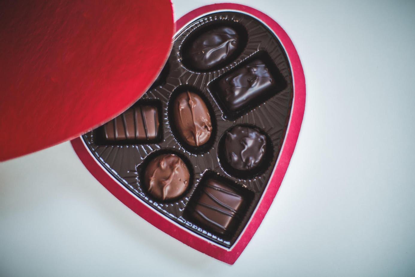 Bombonierka w pudełku w kształcie serca