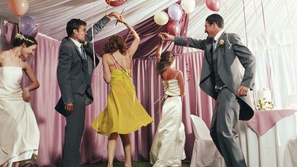 Zabawa weselnych gości